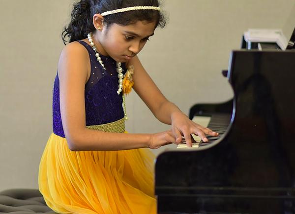 SOLO PIANO & GUITAR CONCERT